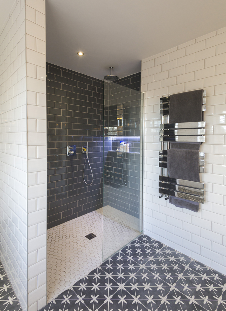 Metro Tile Walk-in Shower