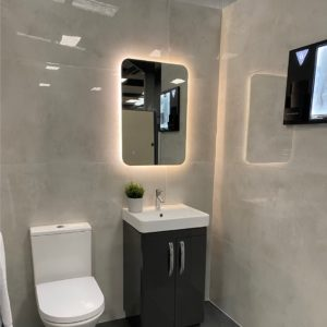 Polished White Tiles For Bahtrooms